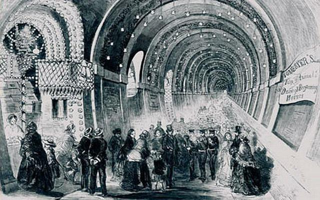 Запоздалая реакция Собянина на сбои в метро Москвы